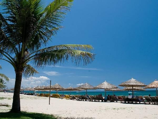 Biển Cửa đại bãi biển hấp dẫn thu hút nhiều du khách ở Hội An