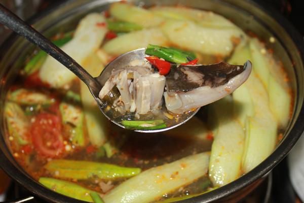 Lẩu cá đuối món ăn ngon đặc sản Vũng Tàu