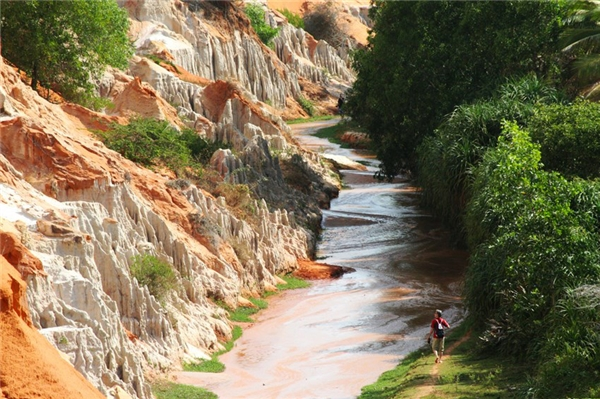 Vẻ đẹp hoang sơ của khu du lịch suối tiên Phan Thiết