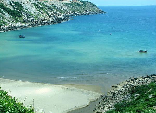 Khung cảnh hoang sơ biển đại lãnh - Vịnh vân phong