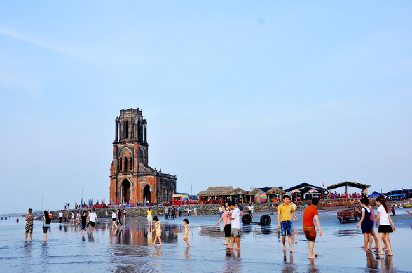 Du lịch khám phá nhà thờ đổ Nam Định