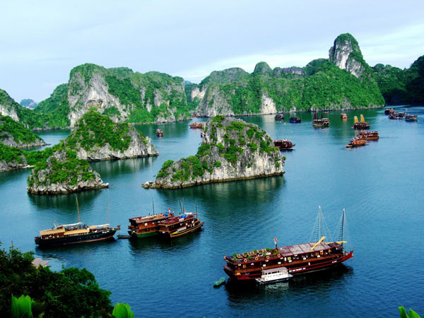 Khám phá nét đẹp đảo Tuần Châu Hạ Long