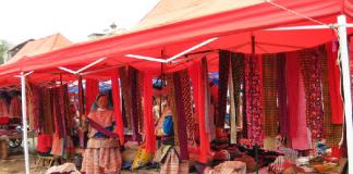 Chợ phiên mường hum