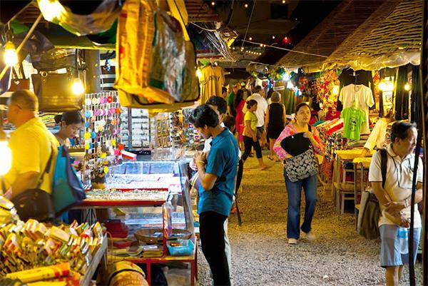 Khám phá nét độc đáo của những khu chợ hội an nổi tiếng