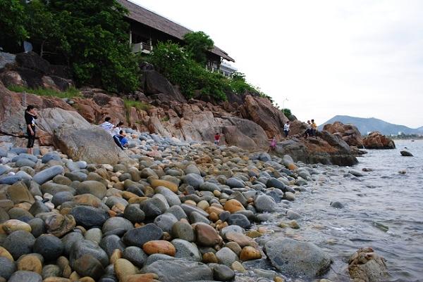 Bãi tắm Hoàng Hậu điểm du lịch Quy Nhơn nổi tiếng