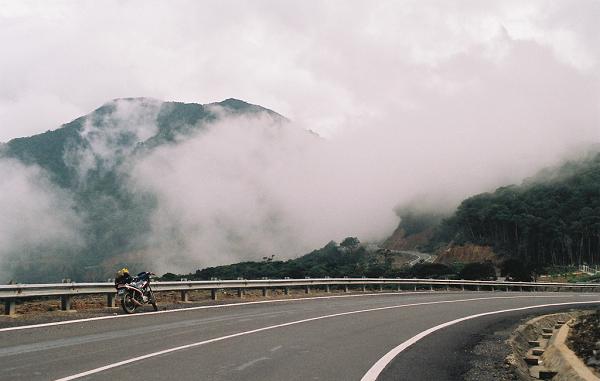 Phượt Đèo Hòn Giao thiên đường mây hấp dẫn dân phượt