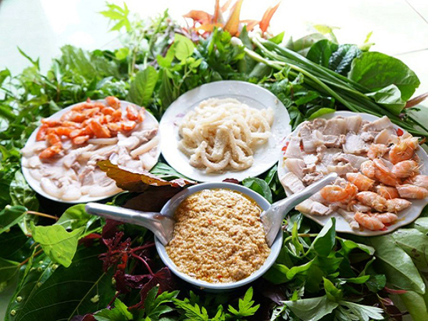 Gỏi lá - đặc sản Kon Tum ngon hấp dẫn