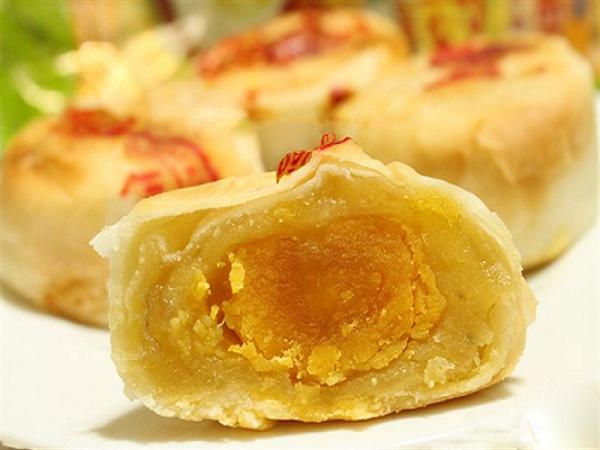Bánh pía Sóc Trăng - món ngon hấp dẫn, lôi kéo thực khách