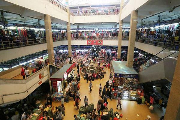 không gian Khu chợ Đồng Xuân về đêm