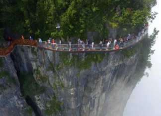 Thiên Môn Sơn - cung đường nguy hiểm nhất thế giới