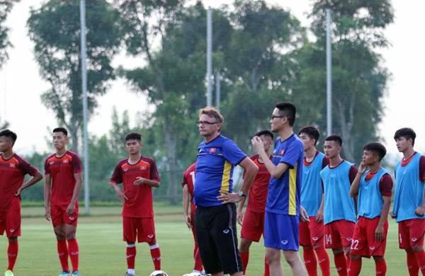 Tin bóng đá 31/8: U19 Việt Nam nhận tin không vui sau 10 ngày khổ luyện