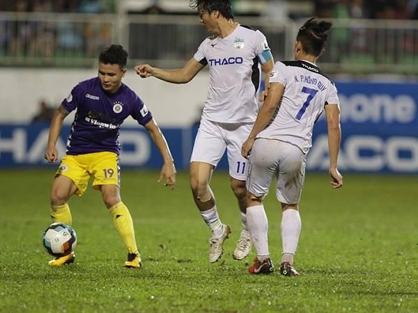 Bóng đá Việt Nam sáng 16/10: HLV HAGL phàn nàn trọng tài