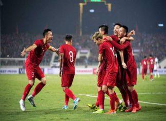 Bóng đá VN chiều 22/4: ĐT Việt Nam hưởng lợi từ chính sách mới