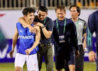 Bóng đá Việt Nam 10/9: HLV Kiatisak làm lại từ đầu ở mùa giải 2022
